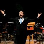 cristiano cremonini tenore opera singer tenor cantante lirico in tournè con una delegazione di artisti italiani per la promozione della cultura in Iraq al Teatro Nazionale di Baghdad