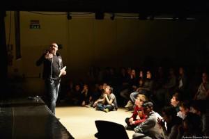 Cristiano Cremonini a teatro con i bambini di Castel Maggiore